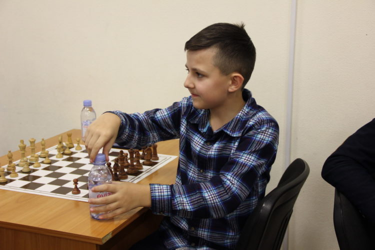 Фото чемпионата Днепра среди юношей (рапид, часть 1)