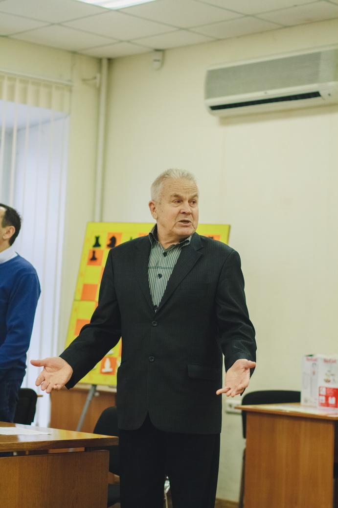 """Фото награждения """"Лучший тренер 2019г."""", 11 января 2020г."""